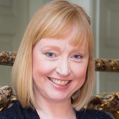 Dr Annette Chester