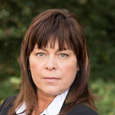 Dionne Curtis